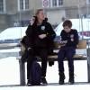『寒さに震える1人の少年』世界中に感動を与えた社会実験!